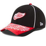 Detroit Red Wings Hex Charge 39THIRTY Performance Stretch Fit Hat by New Era